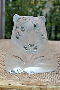 Viking-Glass-Frosted-Satin-Tiger-6-034-Bookend-Paperweight-Vintage-Hand-Made