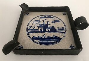 Vintage-Delft-Blue-Holland-Farm-House-Tile-amp-Iron-Ashtray-With-Finger-Loop