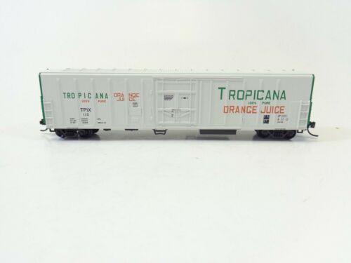 Red Caboose #RM-21002-01 Reefer #110 N Tropicana White w// Green Ends Mech