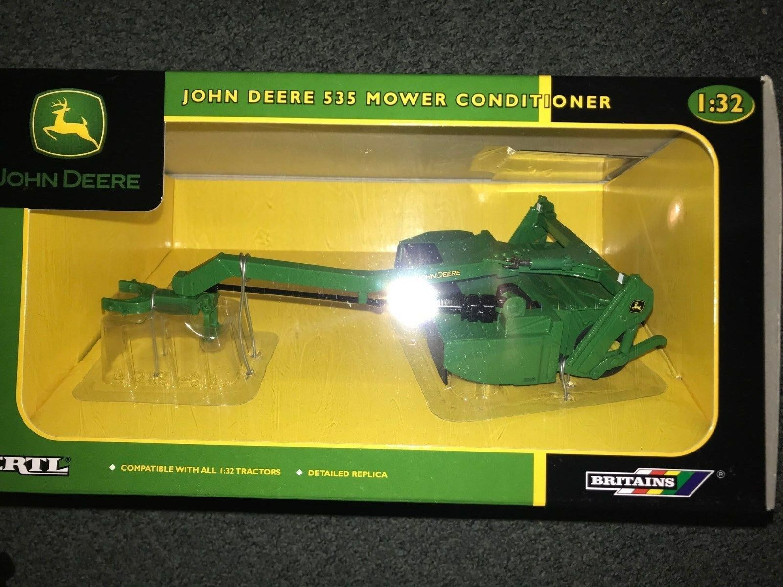 42118 1 32 Britains John Deere 535 Mower Conditioner