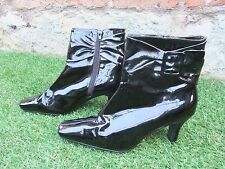 LADIES GORGEOUS BLACK PATENT POINTY, KITTEN HEEL, ANKLE BOOTS ~ UK 7 ~IN VGC