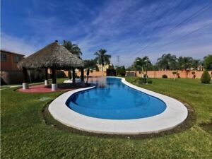 Casa con Alberca en Morelos, libre de gravamen.