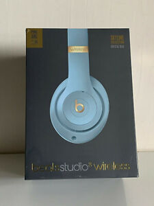 BEATS-STUDIO3-WIRELESS-HEADPHONES-THE-BEATS-SKYLINE-COLLECTION-CRYSTAL-BLUE