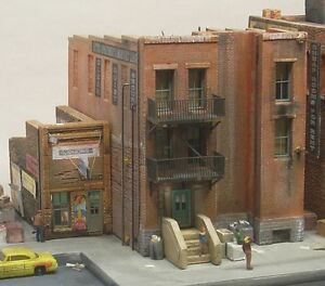 DOWNTOWN-DECO-HO-SCALE-1-87-SKID-ROW-PART-TWO-KIT-BN-1032
