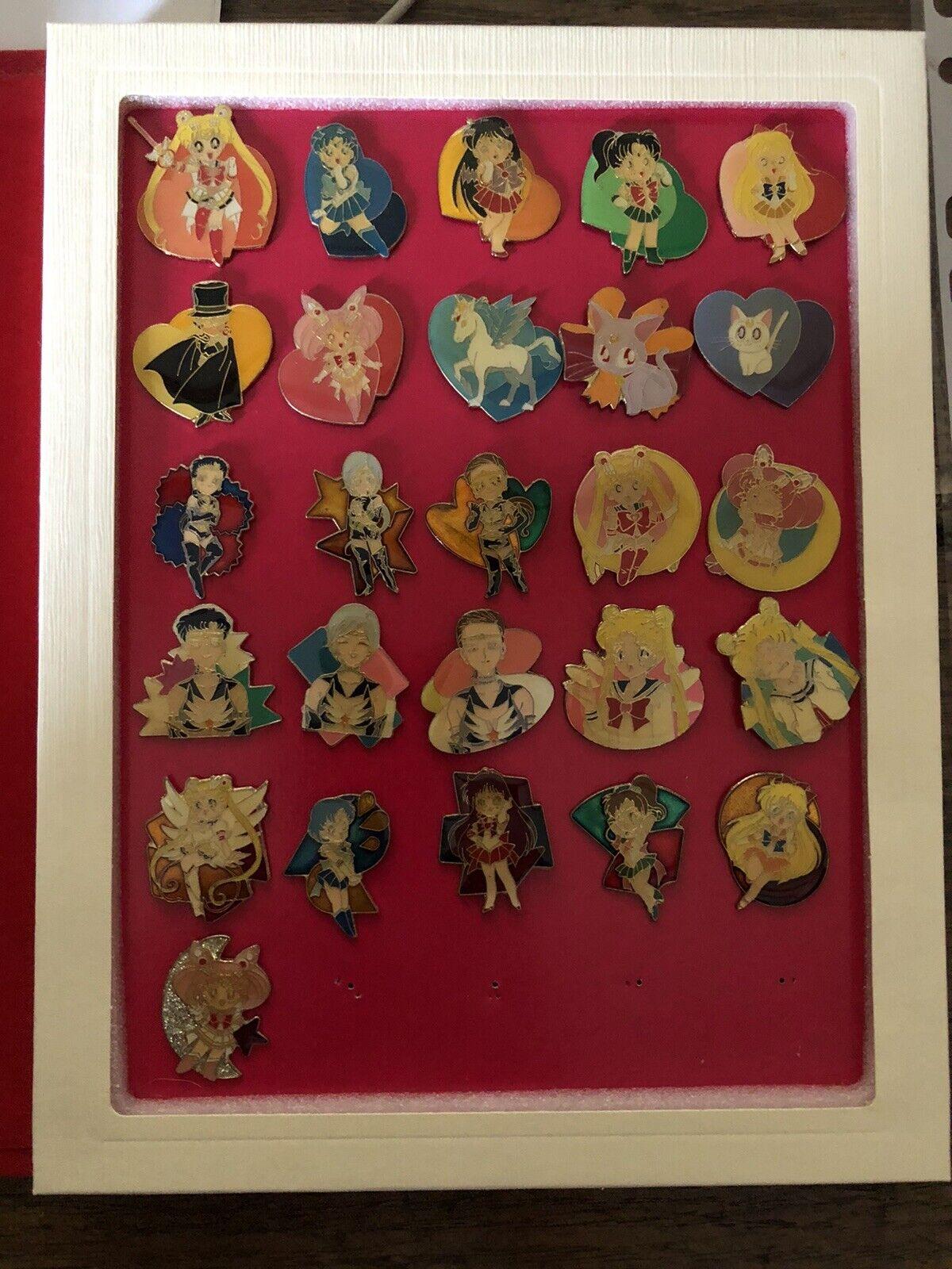 Nicht-Standard-Größenversand Sailor Moon Pins Collection