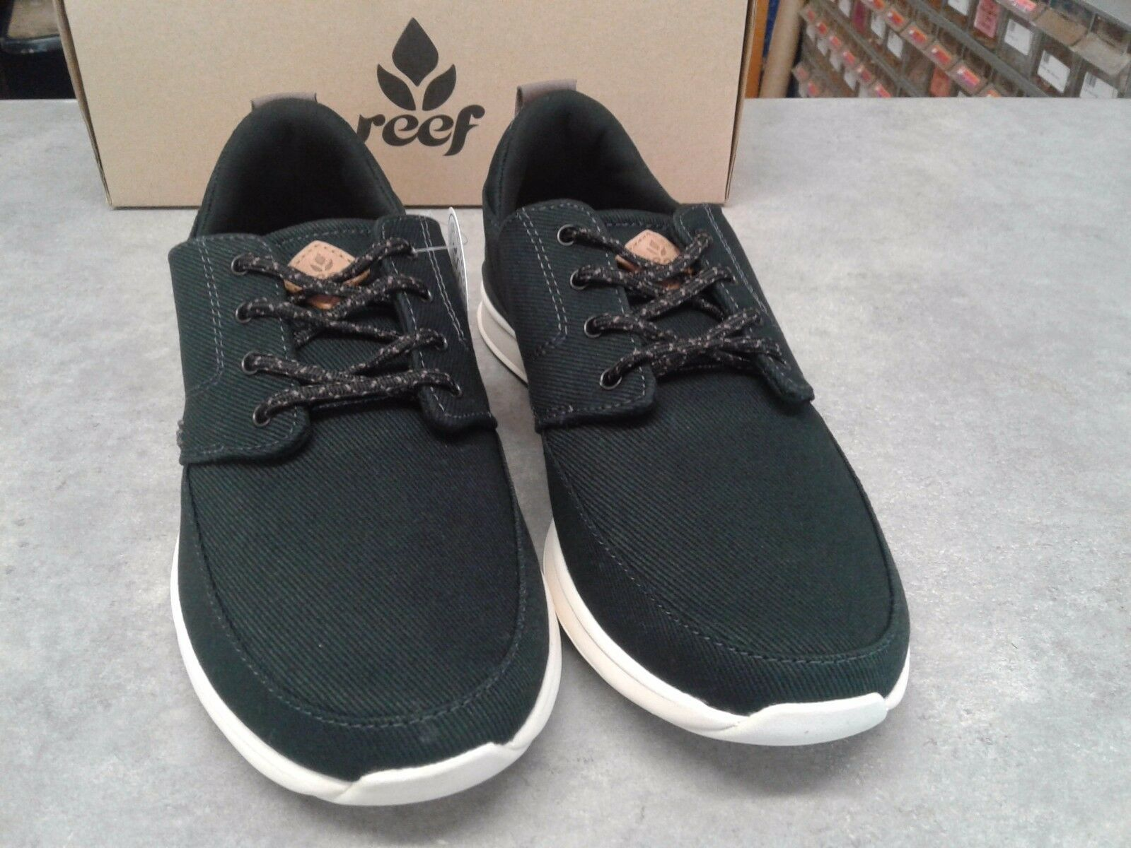 Reef Women's Rover Low size 6 Black/Charcoal
