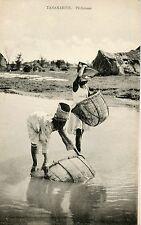 CARTE POSTALE / MADAGASCAR PECHEUSES