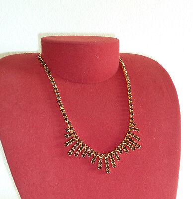 Modeschmuck Edles Collier Hartvergoldet Mit Granatfarbenen Swarovski-kristallen Neu