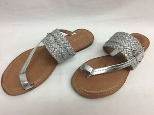 88e0d7ed3 Tommy Hilfiger Women's Lianna Toe Thong Flat Sandals Silver, Size ...