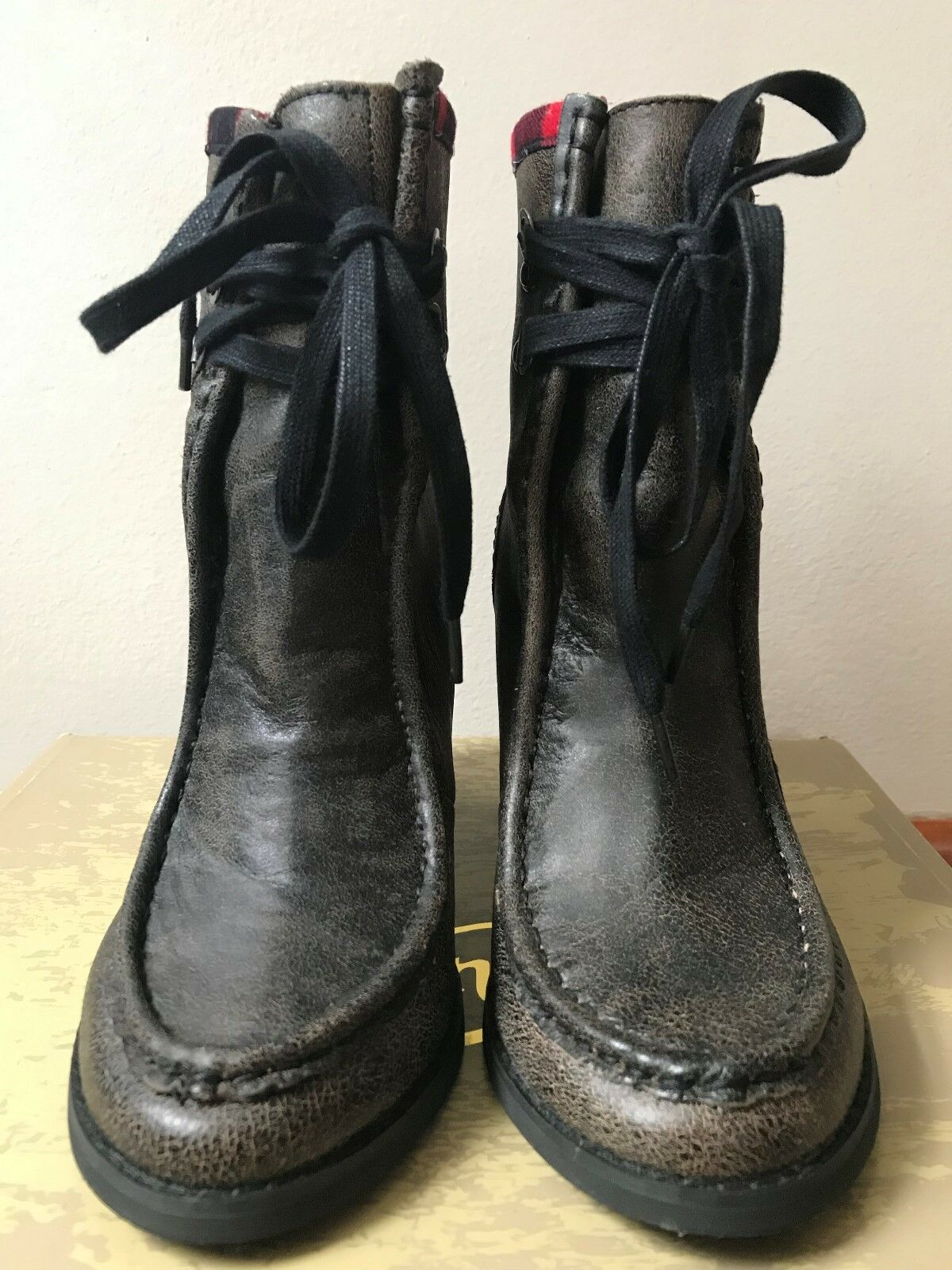 Von Von Von Dutch size 7M Rusty Black Leather Boots Women's shoes c3b407