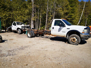2002 Ford F550 4x4 Cab and Chassis