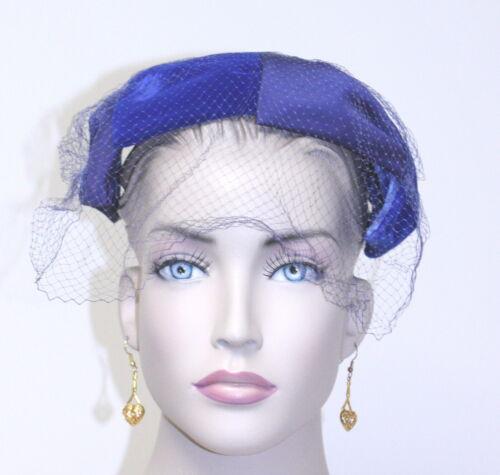 Vintage 1960 Clover Lane Blue petal claw Hat w/vei