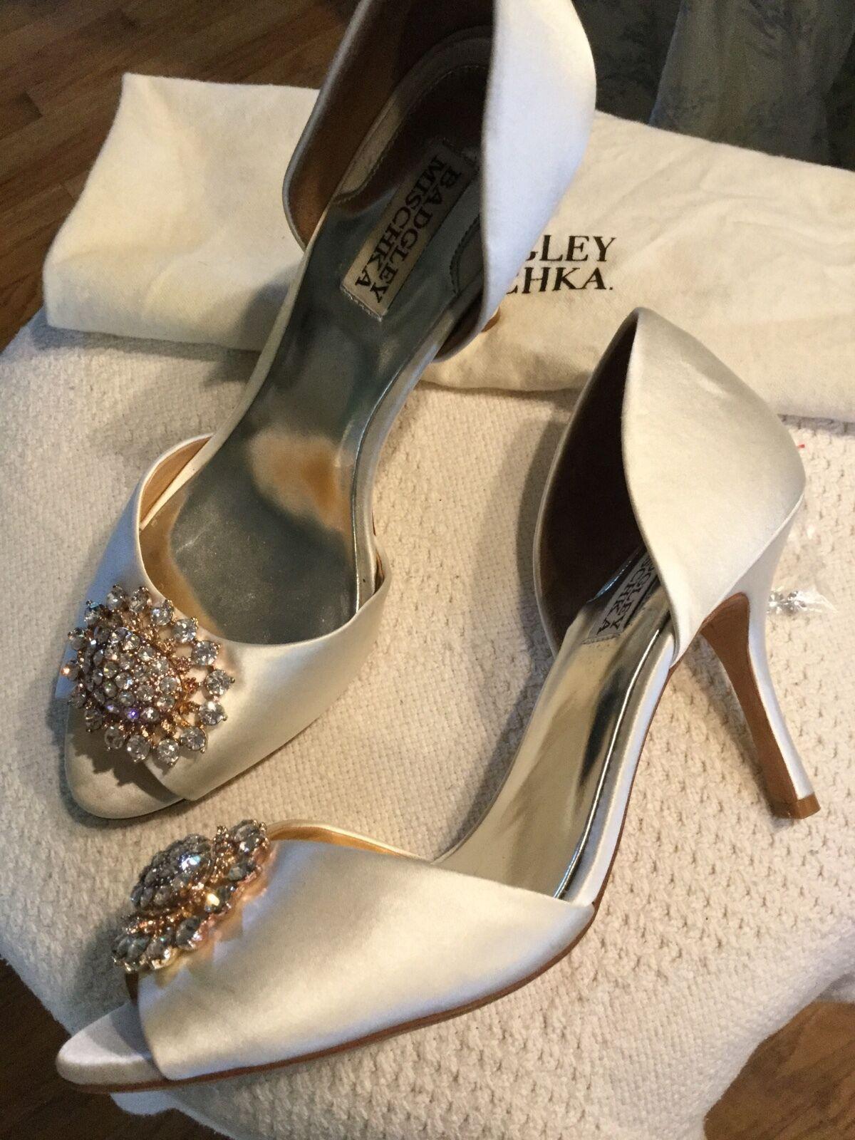 Badgley Mischka 'Lacie' Cream/Ivory Satin Jeweled w.duster Open Toe Pump Sz.9.5M w.duster Jeweled d9432a