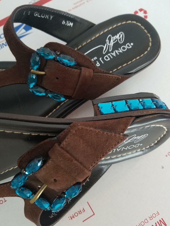 Donald J Pliner Glory Jewels Accent Suede Sandals 6.5M Brown bluee