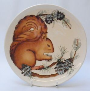 Moorcroft-1995-Year-Plate-Squirrel-Pattern-Limited-Edition-Made-in-England
