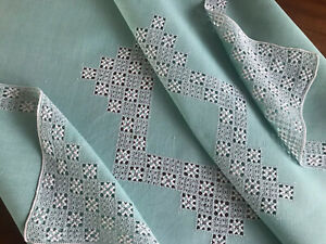 VINTAGE-Hand-Embroidered-Needle-Lace-Green-LINEN-TABLECLOTH-35x36-Inches