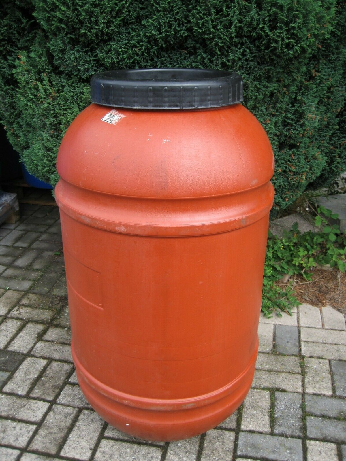 220 Litre Recycled Used Plastic Screw Top Barrel ex food Water Butt Storage Tank