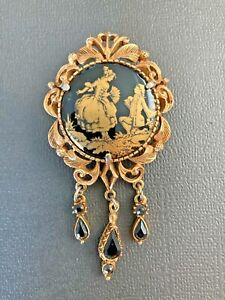 Vintage-Florenza-Signed-Victorian-brooch-Gold-painted-on-Onyx-J
