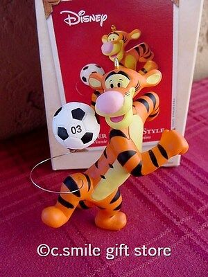 Hallmark Ornament *Soccer Tigger* 2003 Winnie the Pooh Collection Ret MIB