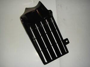 aleta-reejilla-radiador-en-plastico-derecho-Aprilia-ET-50-Fire-codigo-8230107