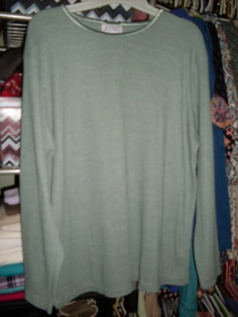 JL Plum Ladies Long Sleeve Thermal top size XL EUC