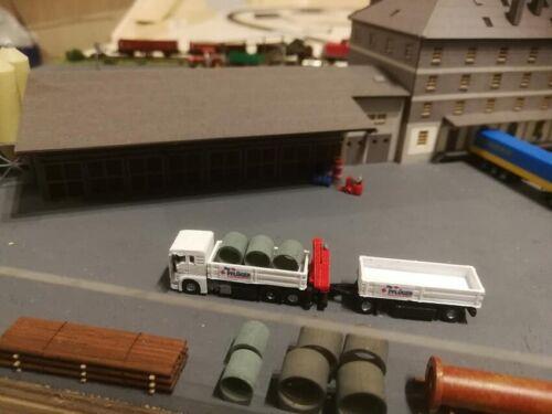 Spur Z 6350 M 1:220 MAN 6 x 2 mit Ladekran und Anhänger