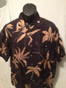 Mens-Large-Tori-Richards-Hawaiian-Camp-Black-Gold-Floral-Aloha-Shirt