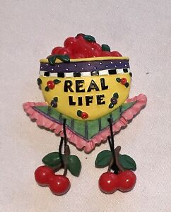VINTAGE-MARY-ENGELBREIT-Style-Magnet-REAL-LIFE-3D-NOS