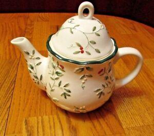 Winterberry-Pfaltzgraff-Sculpted-Tea-Pot-Excellent-551