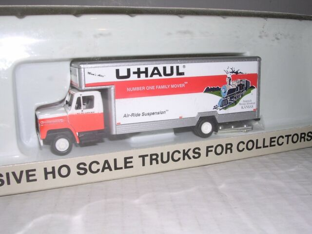 Con-Cor International Truck U-haul Kansas 1 87 HO Scale