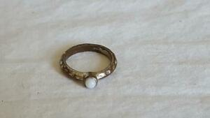 RUSTIC-VINTAGE-OPAL-SETTING-FASHION-COSTUME-RING-SZ-7-3-4-OXIDIZED-SILVERTONE