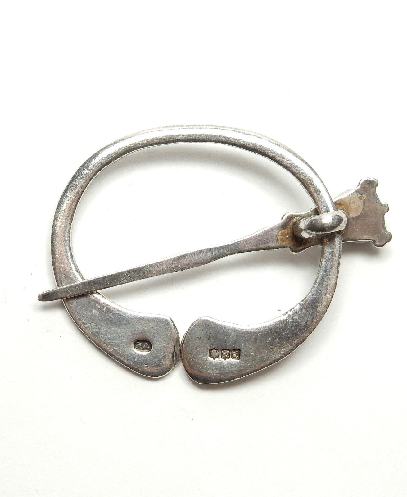VINTAGE ROBERT Allison Kilt Kilt Kilt Pin Spilla di Edimburgo 1960 925 argentoo Sterling 9.2g 621a31
