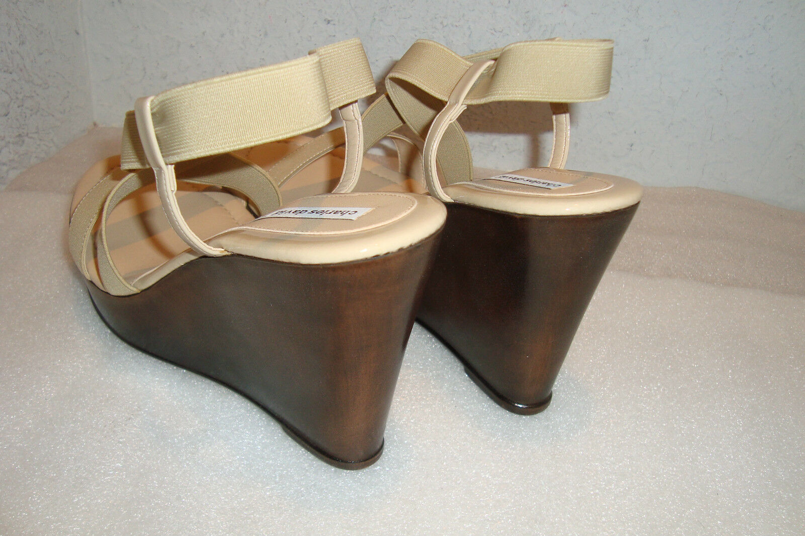 Charles David Damenschuhe Sandales NWOB Camel Stretch Wedge Sandales Damenschuhe Schuhes 10 MED NEW 969862