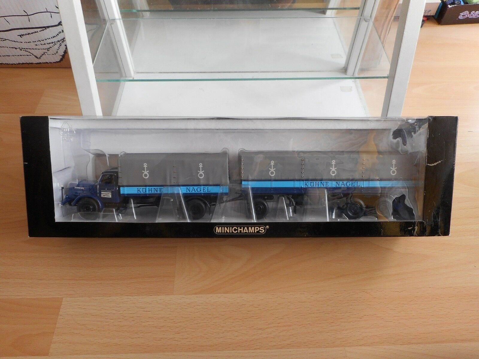 muchas sorpresas Minichamps Minichamps Minichamps Henschel HS 140  Kuhne & Nagel Hamburg in azul gris on 1 43 in Box  mejor moda