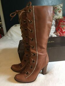 Boots US 10 Brown Leather Lace Up