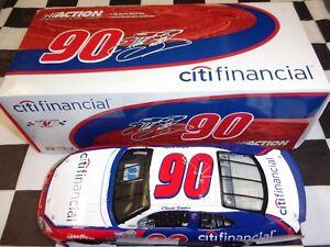 Elliott-Sadler-90-CitiFinancial-2005-Taurus-Action-1-24-scale-car-NASCAR-109106
