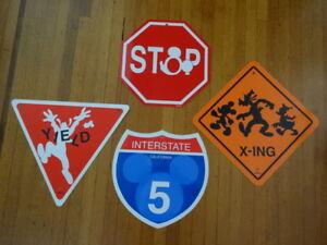 MICKEY-STREET-SIGNS