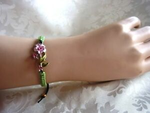 Makramee-Armband-Blumen-Blute-mit-Blatt-rosa-grun-Swarovski-Element-Handarbeit