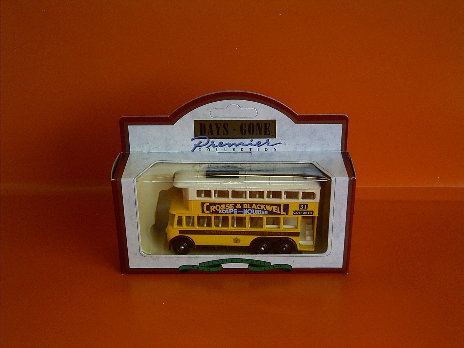 Lledo No 41010 - Days Gone Diecast Model Of A 1928 Yellow Karrier E6 Trolley Bus