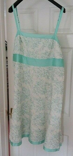Ladies  dress  - Monsoon size UK22 - EUR50 - Excellent condition