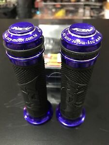 """SCOOTER 125CC 150CC GY6 PURPLE GRIPS 7//8/"""" BAR"""