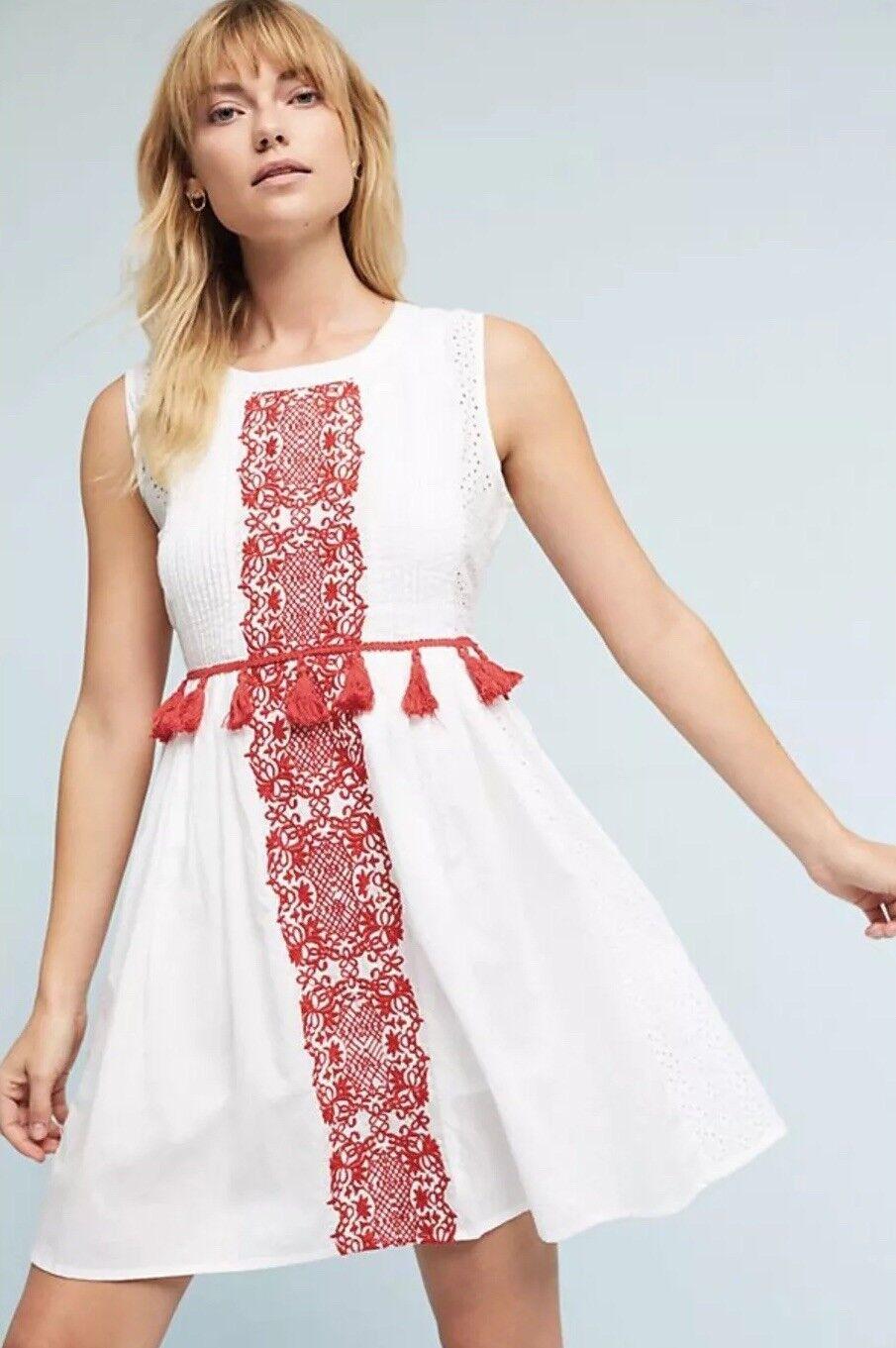 NEW Anthropologie Chantik Margaret Dress Größe Small Tassel rot Embroiderot Pom