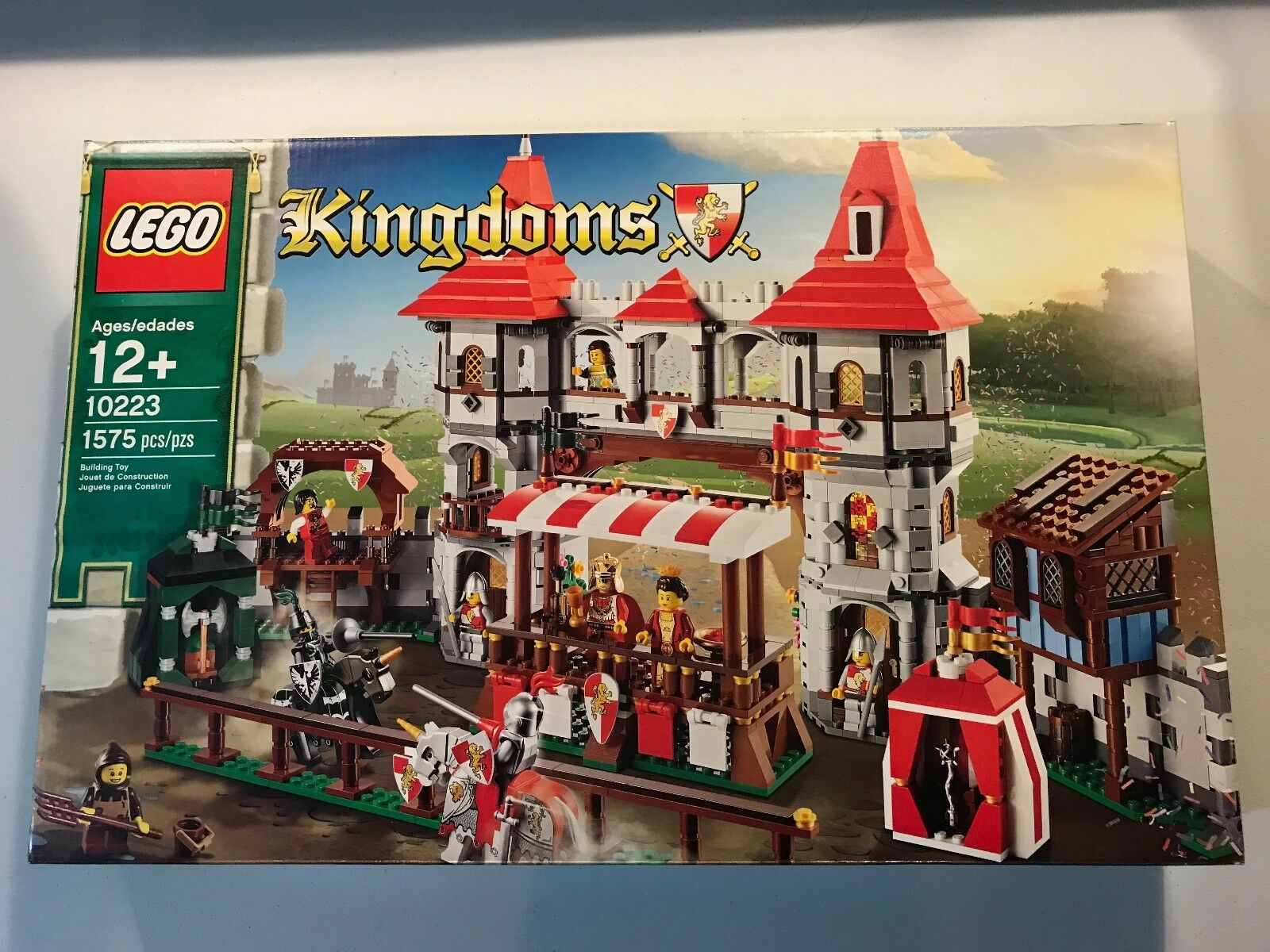 LEGO 10223 Kingdoms Joust Joust Joust Brand New Factory Sealed 1575 pieces 2012 1111e9