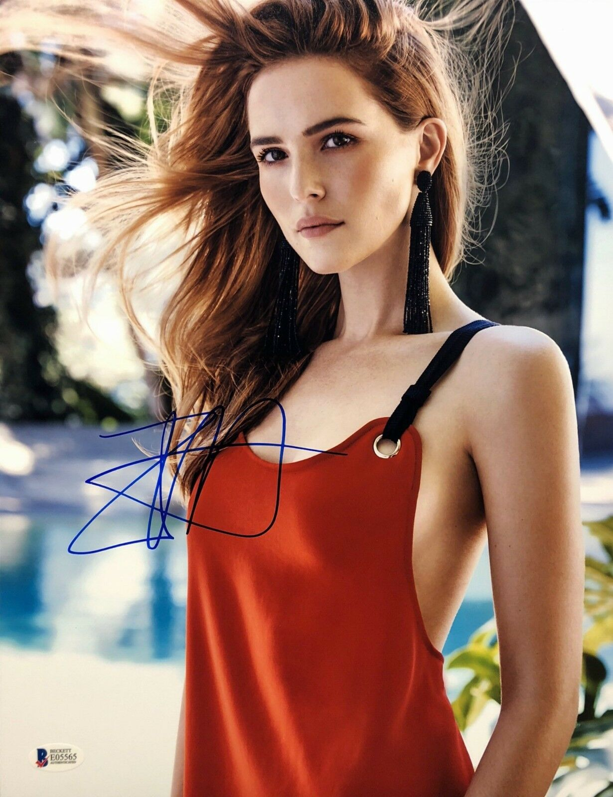 Zoey Deutch Signed 11x14 Photo *Why Him *Dirty Grandma *Model BAS Beckett E05565