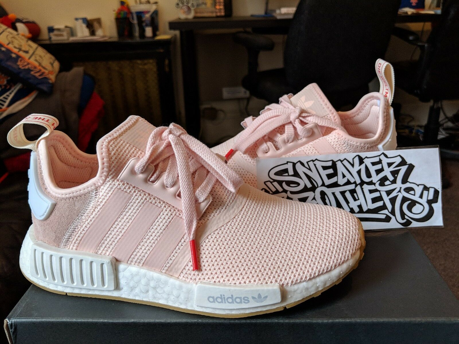 NMD_R1 Runner W Nomad Women's Faded Pink White Red Gum Running BB7588