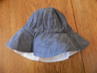 NWT babyGAP infant//toddler girls reversible off white/&chambray bucket hat 6-12m