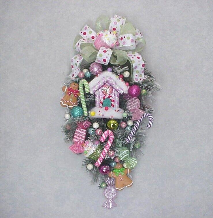 GINGERBREAD CHRISTMAS COOKIES SWEET TREATS PEPPERMINTS DOOR SWAG WREATH
