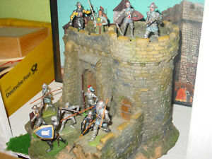Elastolin-Burg-Diorama-mit-11-Ritter-Figuren-7-cm-selten-sehr-schoen