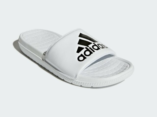 ca9579b57913c4 NEW ADIDAS MEN S VOLOOMIX GRAPHIC SANDALS SLIDES ~ SIZE US 9 ~  CP9447 WHITE