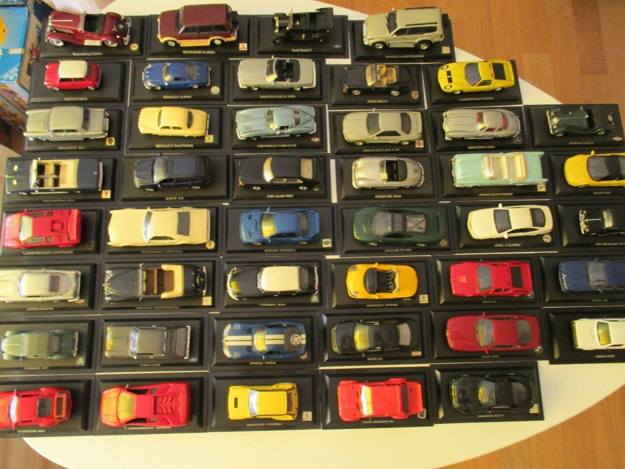 44 modellololini di auto Ford, VW, MERCEDES, BMW, ecc. raccolta DeAgostini Atlas 1 43